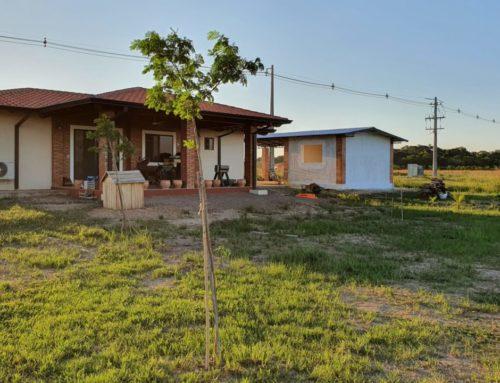 Bau einer kleinen Holzwerkstatt auf unserem Grundstück in Paraguay
